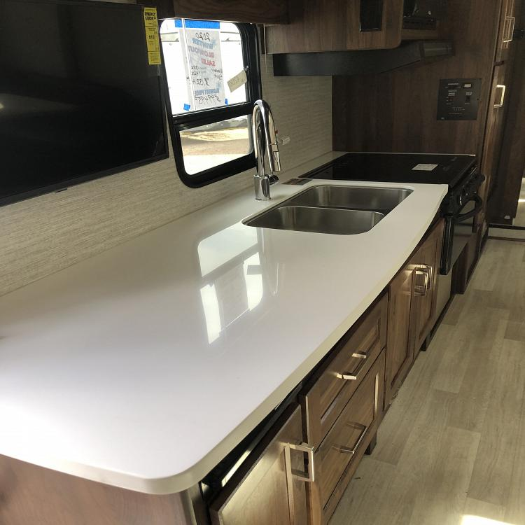 2020 WINNEBAGO SPIRIT 31K full