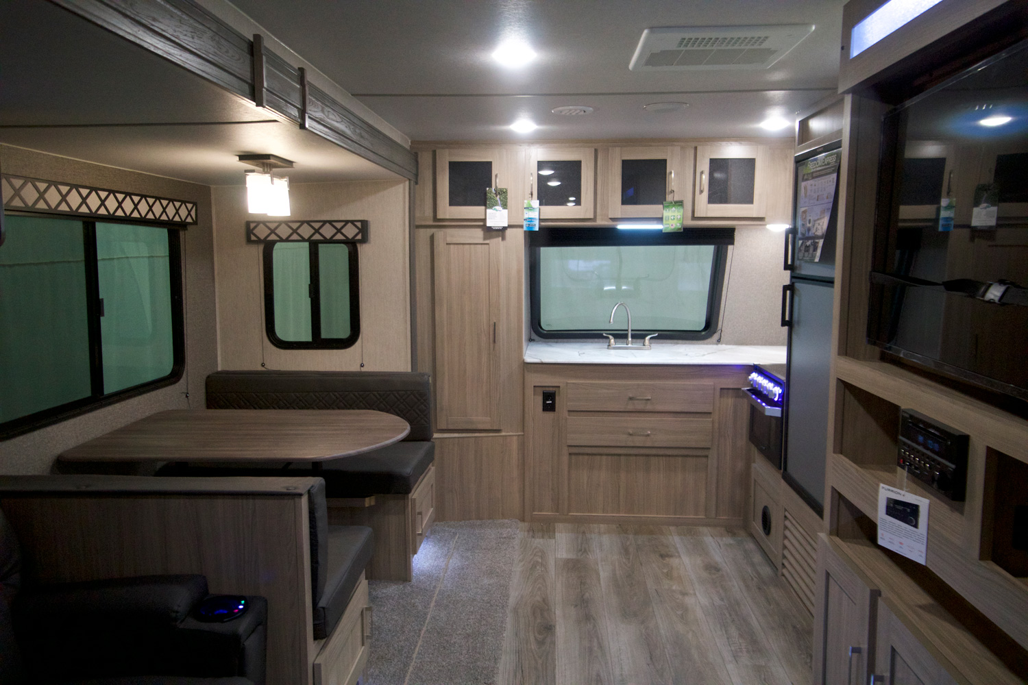 2021 FOREST RIVER COACHMEN FREEDOM EXPRESS 259FKDS full